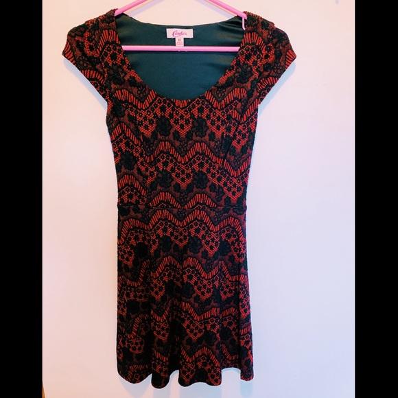 Candie's Dresses & Skirts - Candies red & black short sleeve skater dress!